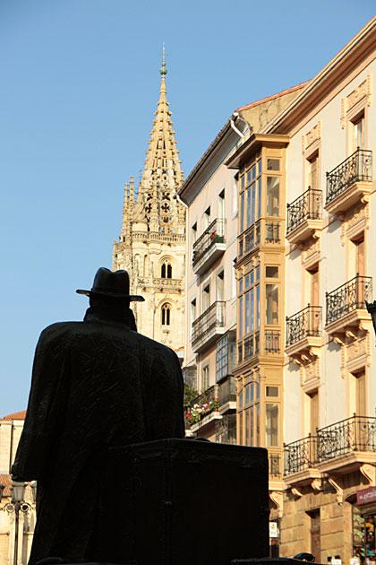 Oviedo's Statues: The Return of Williams B. Arrensberg