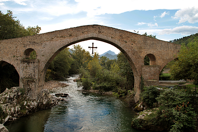 Read more about the article Cangas de Onís – The First Capital of Asturias