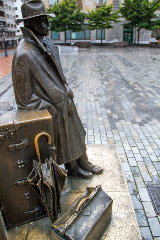 Williams B Arrensberg Statue In Oviedo