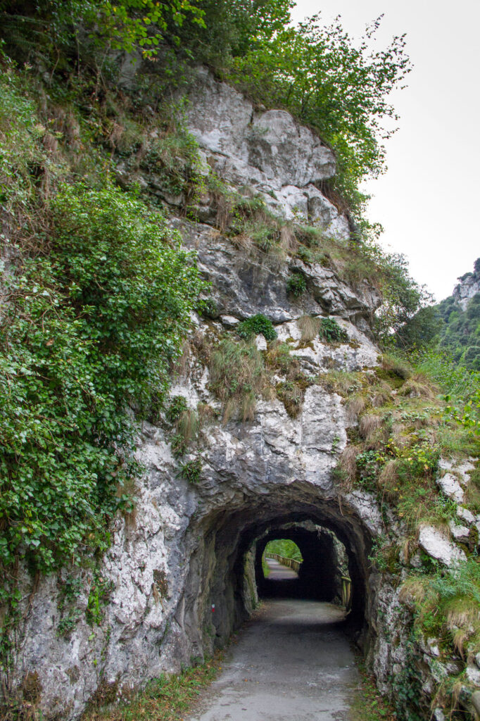 Tunnel Hike Asturias