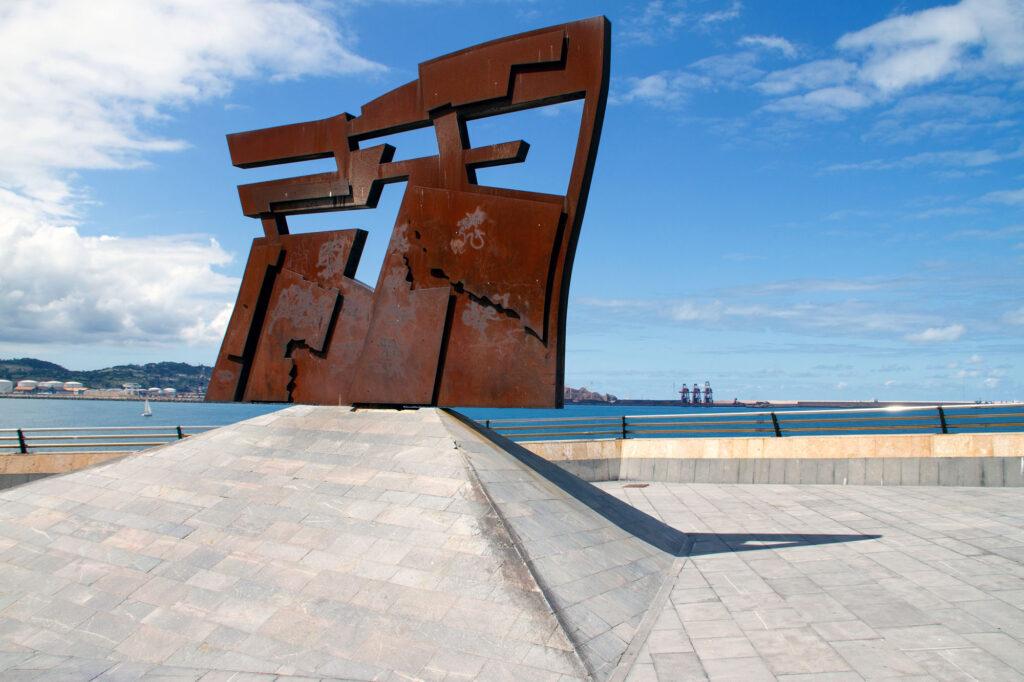 Vaquero Turcios Nordeste Statue Gijon