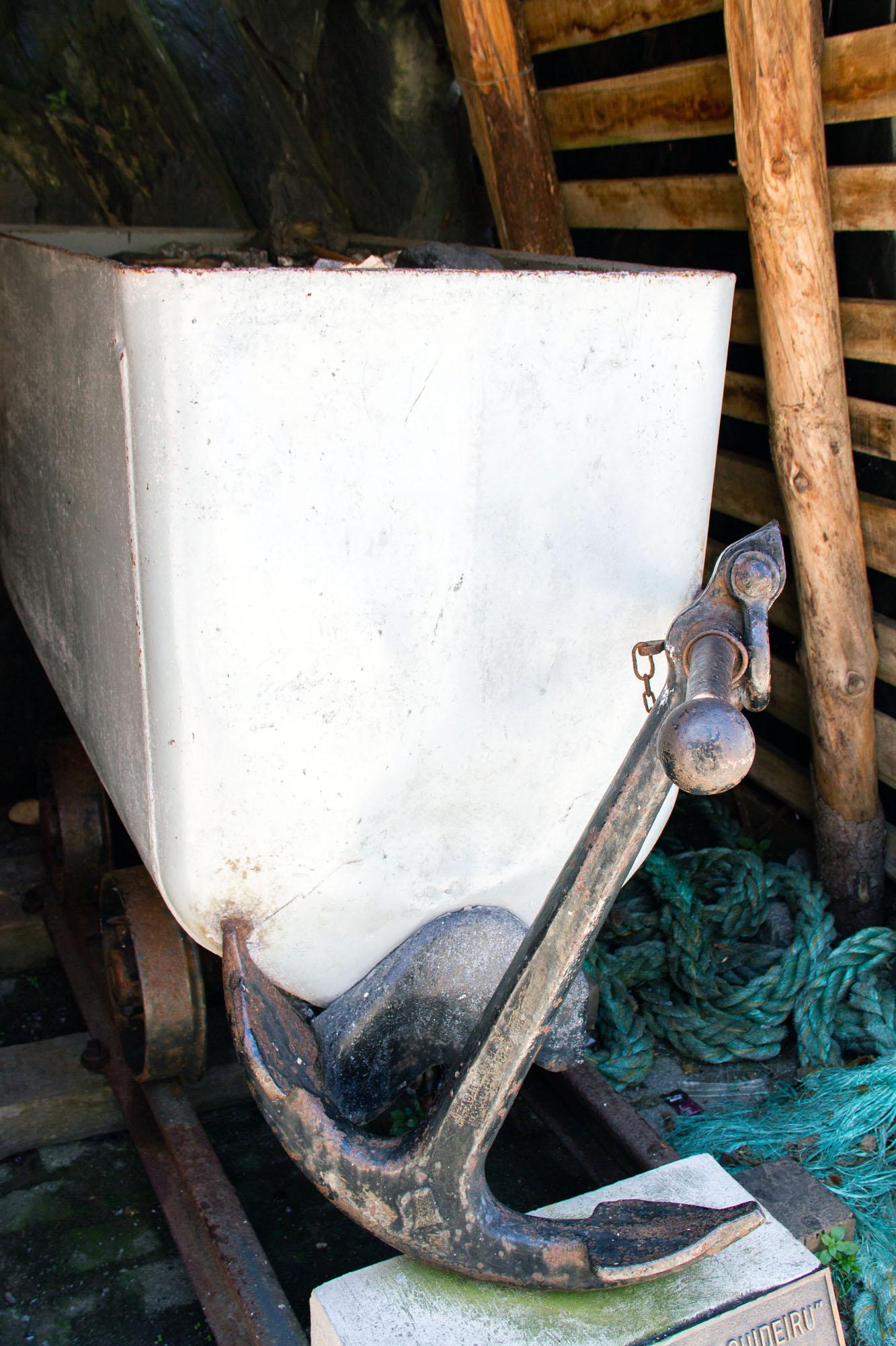 Mine and anchor Cudillero