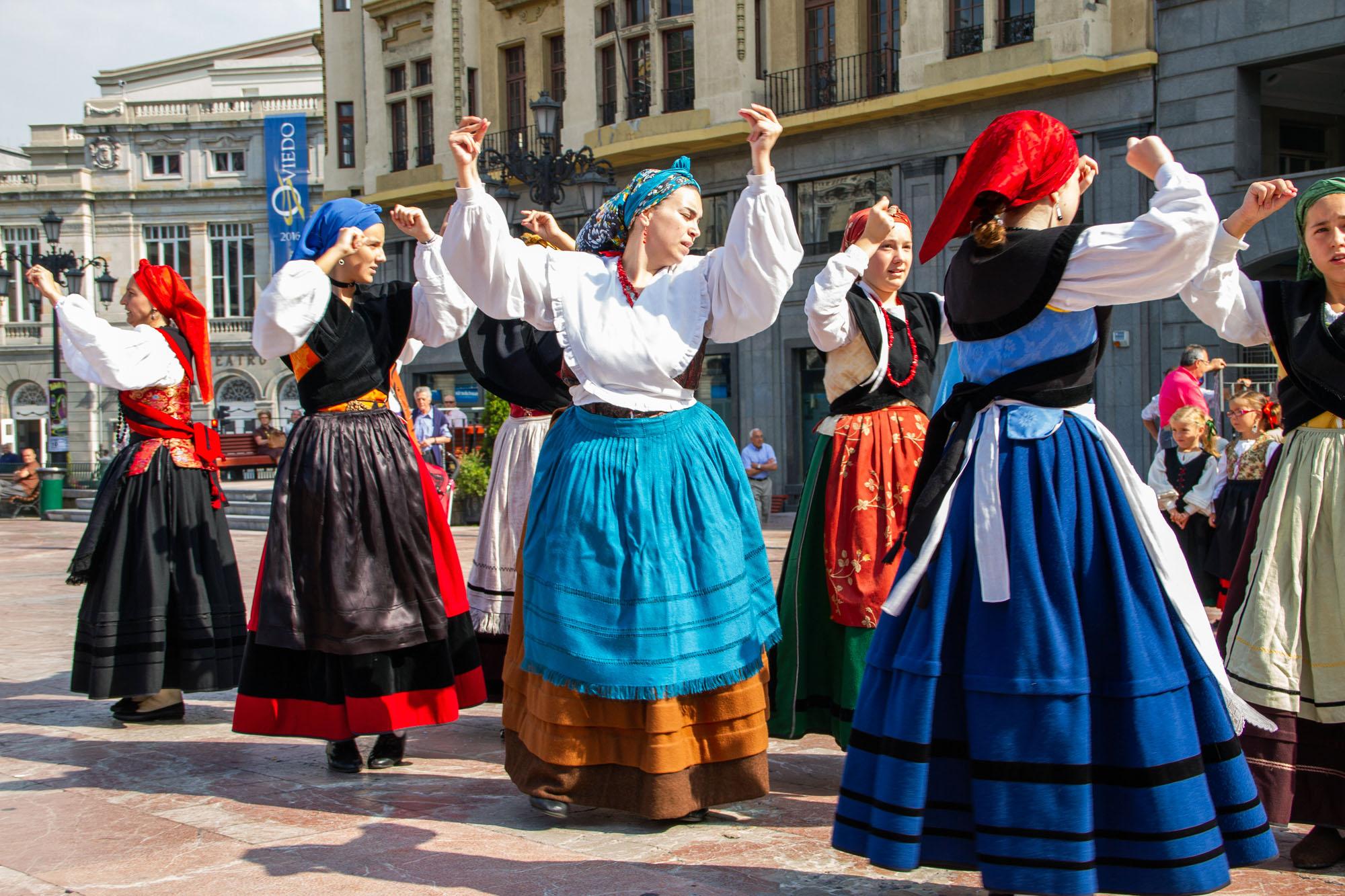 Asturias Folklore Dance Women