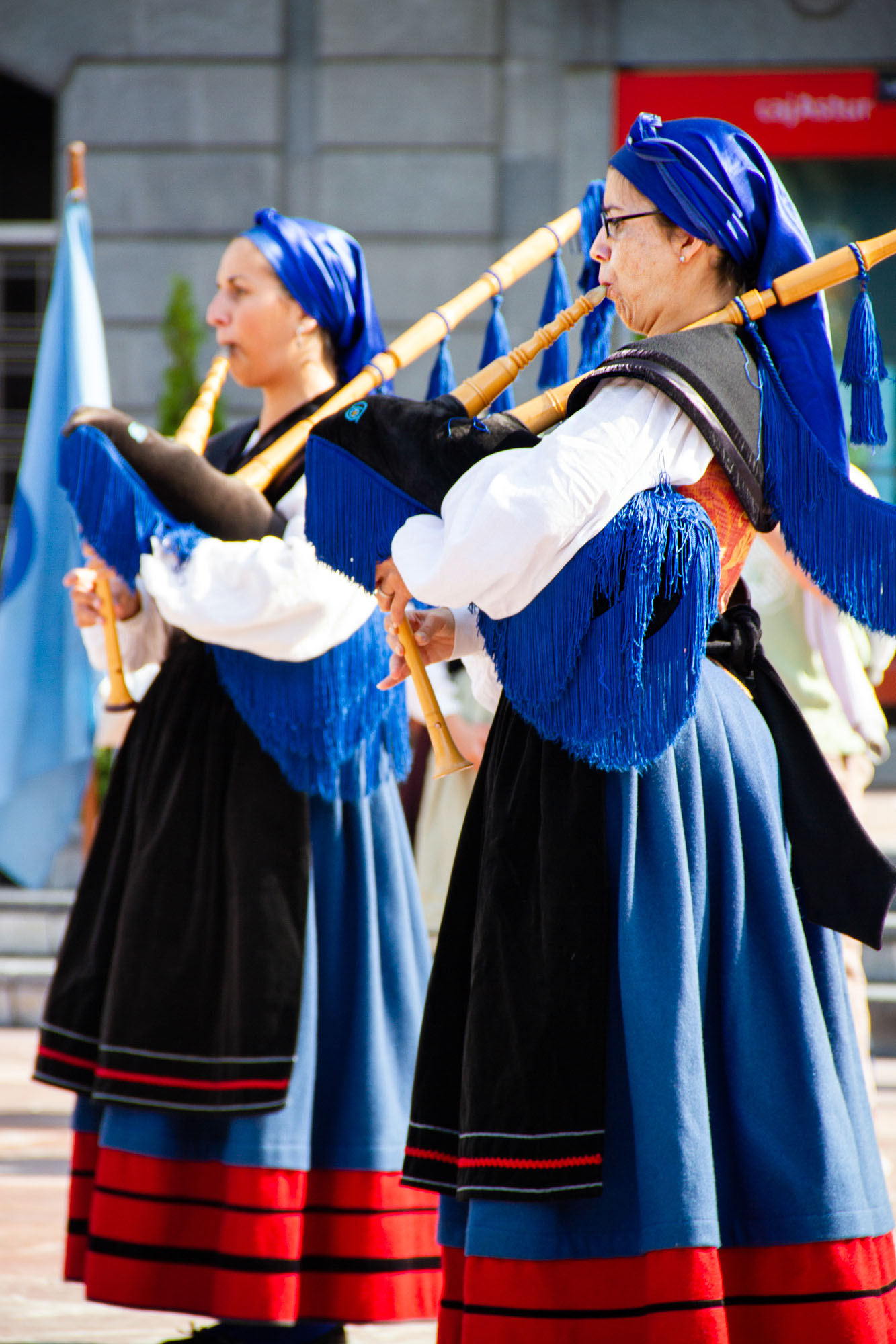 Women playing bagpipes